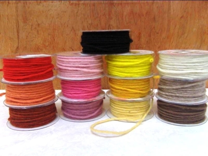 Picture of WOOL CORD ON THE WHEEL 3,5 MM. X 35 MT.